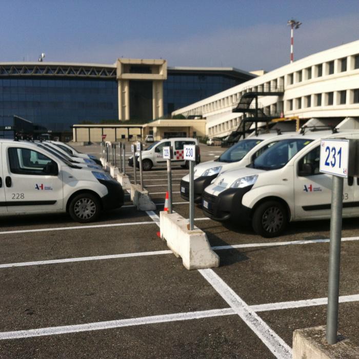airport ground vehicle operation